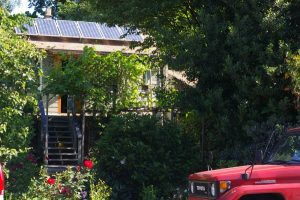 North Vancouver residence generating solar photovoltaic electricity